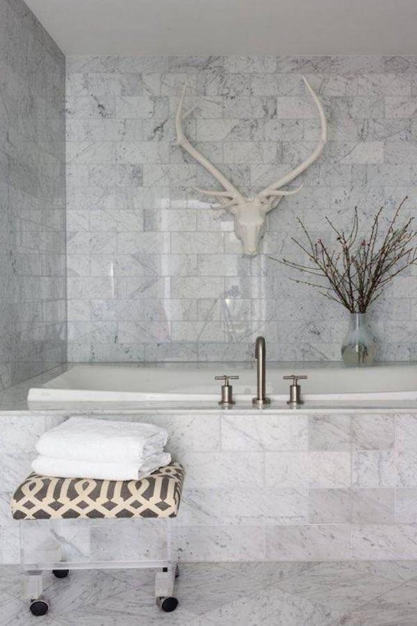 Baño Blanco Piso Gris:El mármol en el cuarto de baño Artículo Publicado el 25022014 por