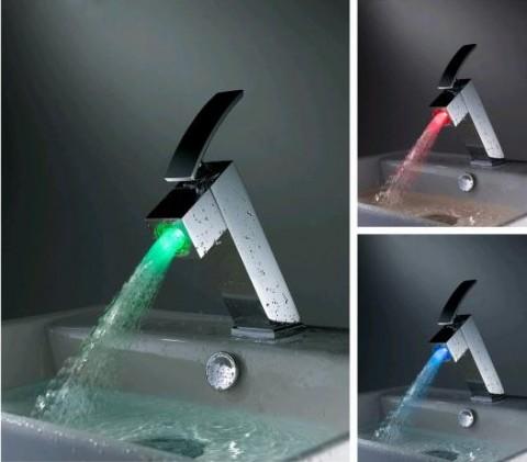 Grifería de baño con luces LED 1