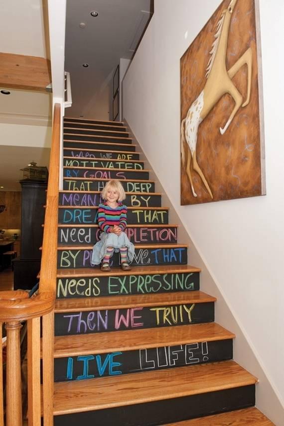 23 ideas diy para decorar las escaleras for Jaula de la escalera de color idea