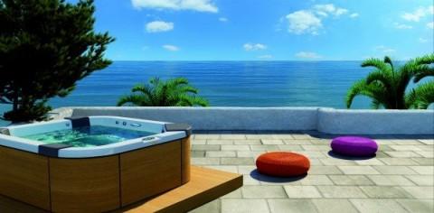 Piscinas y jacuzzis urbanos para terrazas for Terrazas para piscinas elevadas