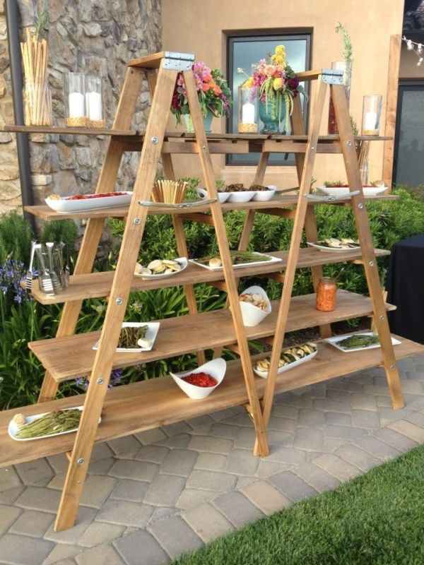 15 ideas para utilizar escaleras como estanter as for Estanteria jardin plantas