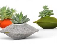 imagen Decorativas jardineras de material reciclado