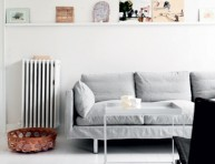 imagen Una casa a puro blanco y grandes ideas de almacenamiento