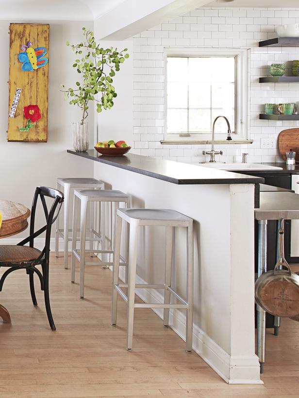 Una cocina con personalidad y estilo for Tabla de la barra de la cocina de separacion