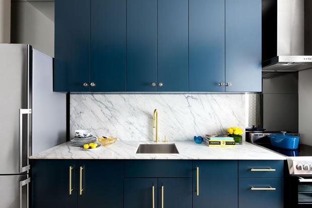 Cocina Moderna En Azul Y Oro