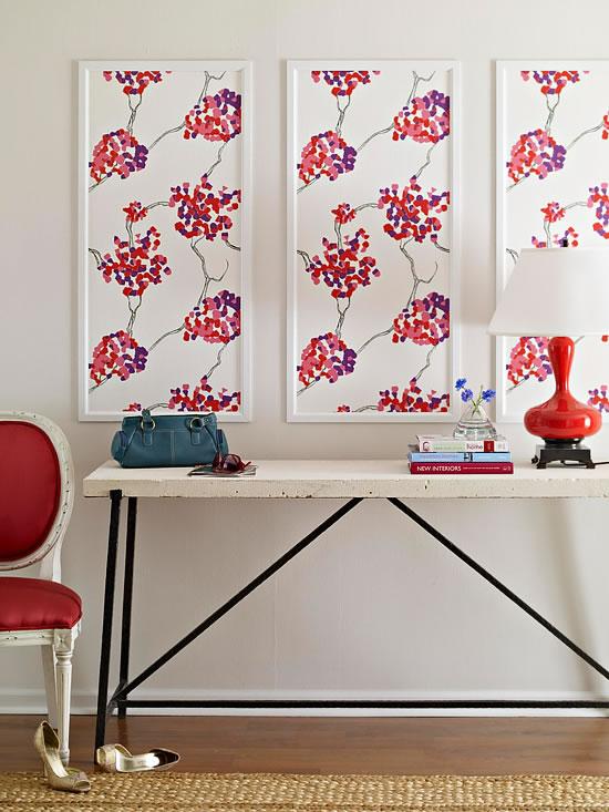 18 ideas para decorar con papel para empapelar - Papel pintado para decorar muebles ...