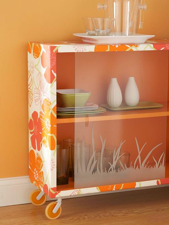 18 ideas para decorar con papel para empapelar - Ideas para decorar armarios ...