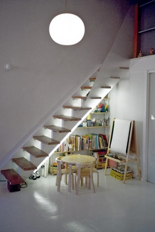 9 ideas para espacios de juego bajo las escaleras for Sofa bajo escalera