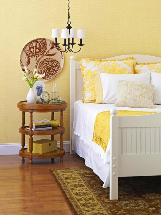 Detalles En Amarillo Para La Habitaci 243 N