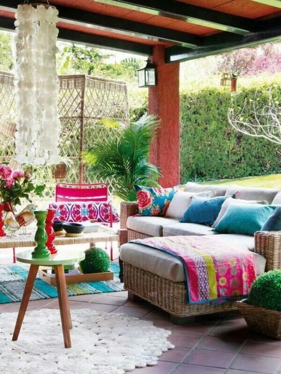 Porches de estilo bohemio e influencia marroquí