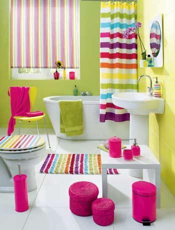 Ba os decorados con pinceladas multicolor for Dispensadores para banos