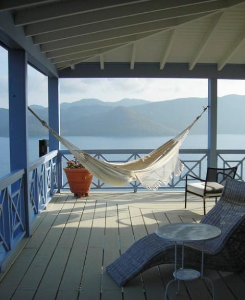 terrazas con hamacas en estilo bohemio