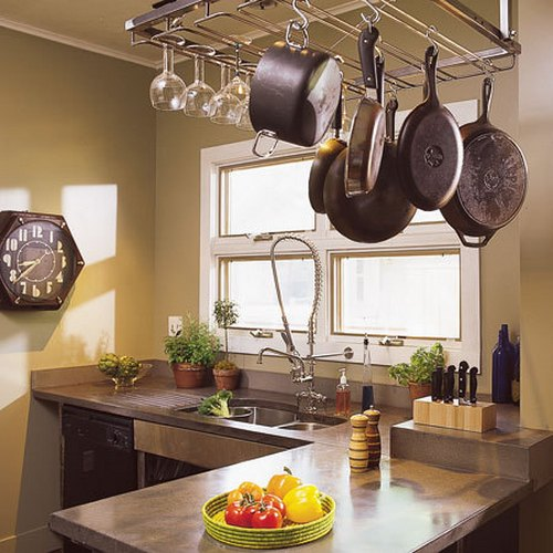 Kitchen Decoration Pakistan: Decorar La Cocina Con Ollas Y Sartenes