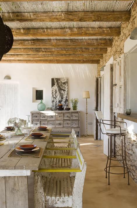 Salones y patios en estilo mediterr neo for Design mediterraneo per la casa