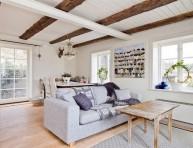 imagen Apartamento sueco en blanco y madera natural