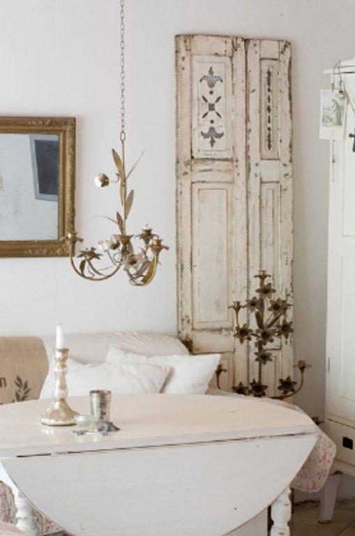 Puertas vintage para decorar interiores for Como hacer espejos vintage