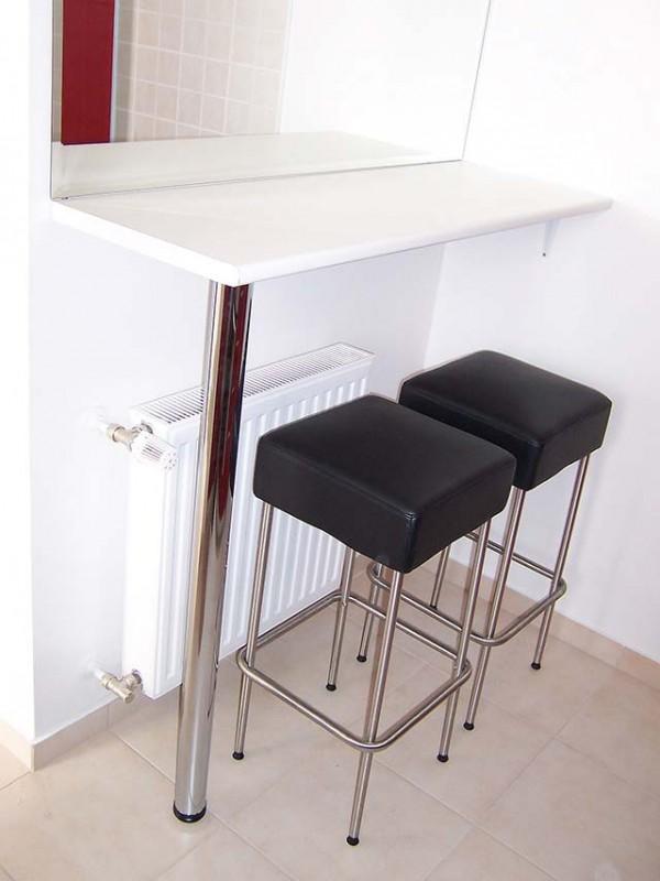 Barras de bar para cocinas peque as for Azulejo para barra de cocina