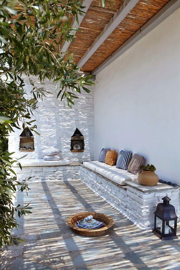 Patios y terrazas de estilo mediterr neo - Decorar paredes de terrazas ...
