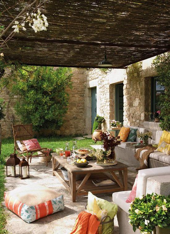 Patios y terrazas de estilo mediterr neo for Que piscina puedo poner en una terraza