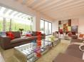 imagen Una casa de estilo que es una obra de arte en sí misma