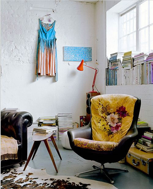A decorar con sillones y banquetas de diseño