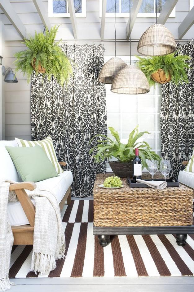 Patios y balcones peque os muy acogedores for Terrazas para patios pequenos