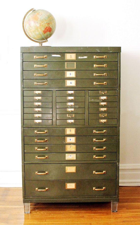 Aparador Antigo Laqueado ~ 15 propuestas para decorar con armarios metálicos