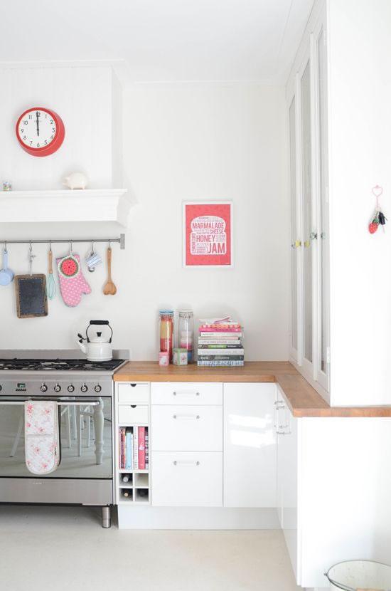 Ten una cocina peque a y funcional - Aprovechar cocinas pequenas ...