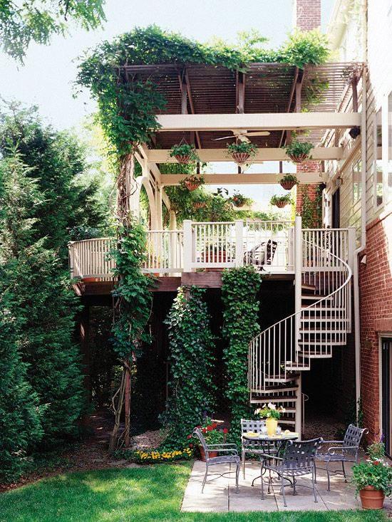 Por qu tener una escalera caracol en tu hogar for Decorar escalera caracol
