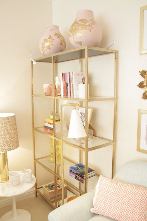 15-ideas-para-decorar-con-estanterias-metalicas-10