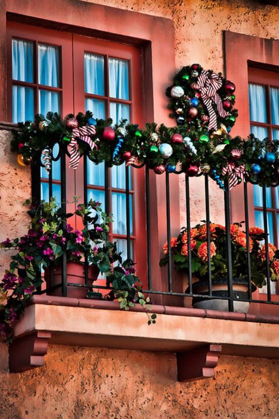 17 Ideas Para Decorar Tu Balcon Esta Navidad