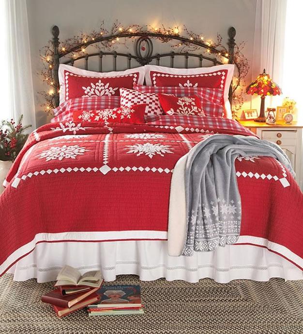 16 ideas para decorar con cojines y almohadas navide as - Decorar cama con cojines ...