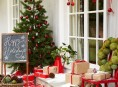 imagen Ideas para decorar la puerta de casa esta Navidad