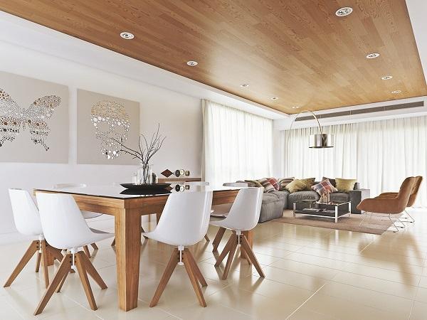21 ideas para decorar el comedor en blanco y madera for Sillas iconicas
