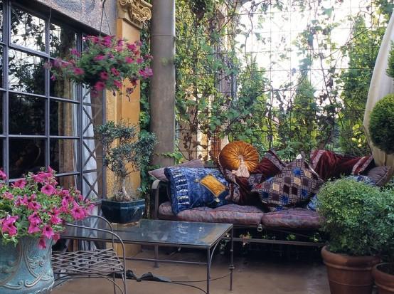 Encantadores patios en estilo marroqu - Telas marroquies ...