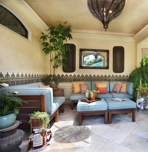 Encantadores patios en estilo marroqu for Estilos de techos para patios