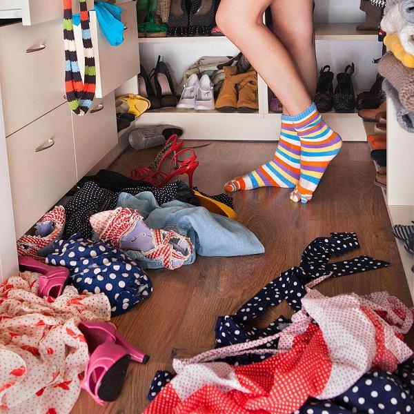 algunos consejos para organizar tu armario o vestidor. Black Bedroom Furniture Sets. Home Design Ideas
