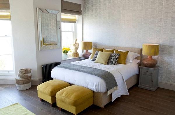Renueva tu dormitorio con ropa de cama en amarillo y gris for Pintura pared gris azulado