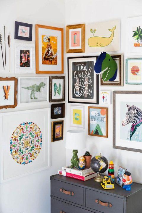 ideas-para-decorar-paredes-con-marcos-de-colores-05 | Guía para Decorar