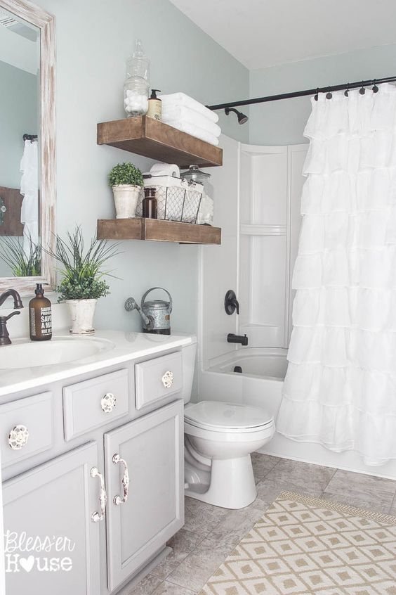 Armarios De Baño Colgados:Farmhouse Bathroom Makeover