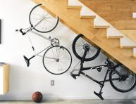 imagen Formas ingeniosas de guardar bicicletas y material deportivo