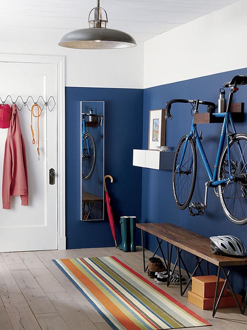 Formas ingeniosas de guardar bicicletas y material deportivo for Como guardar la bici en un piso