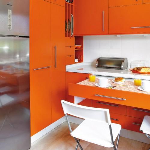 Cajones y estanter as extra bles para una cocina funcional for Estanterias cocinas pequenas
