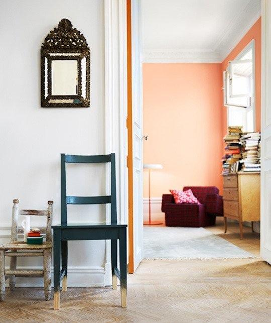 pequenos-toques-de-color-para-espacios-minimalistas-08