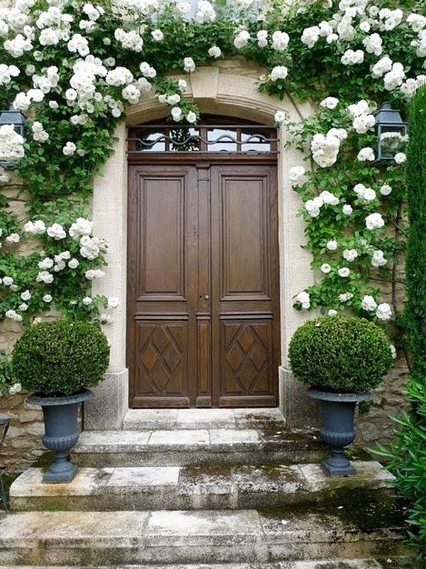 Ideas para decorar la puerta de entrada con plantas y flores - Flores para decorar la casa ...