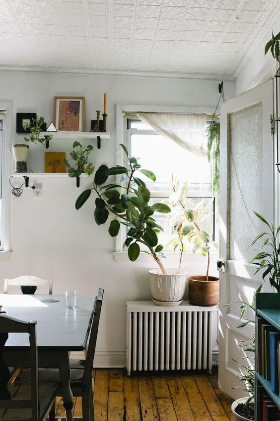 Ideas diy para decorar los radiadores de la calefacci n - Que poner encima de una mesa de comedor ...