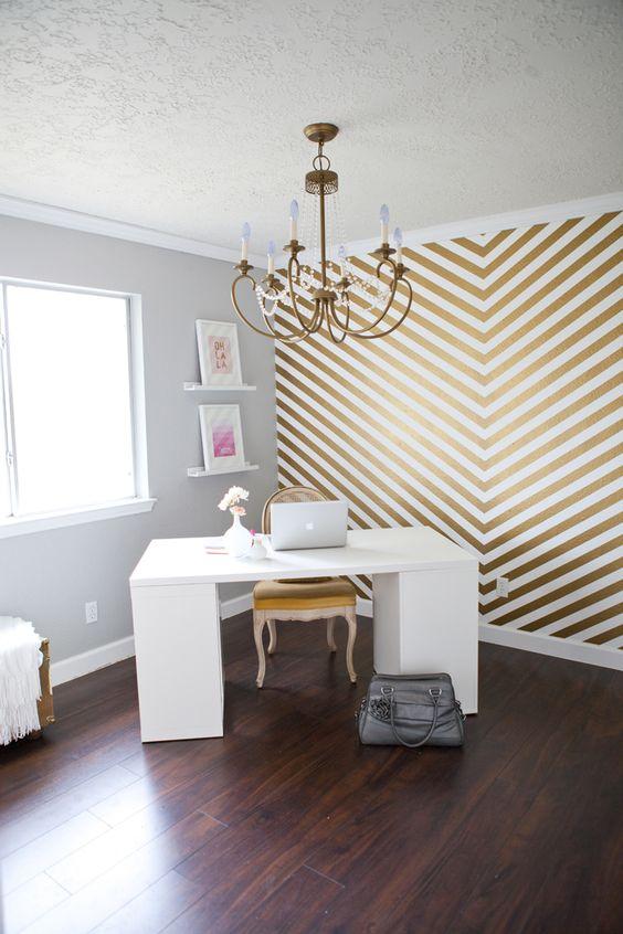 Ideas para resaltar una pared con papel pintado - Papel pintado adhesivo pared ...