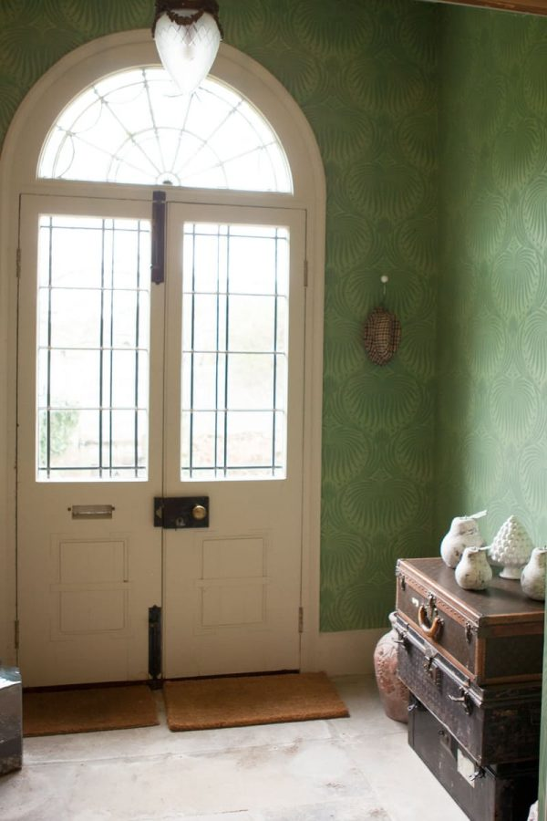 10-recibidores-decorados-con-papel-pintado-08