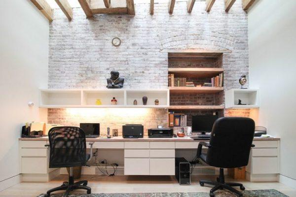 Ideas de oficinas en casa decoradas con ladrillo visto for Imagenes de oficinas decoradas
