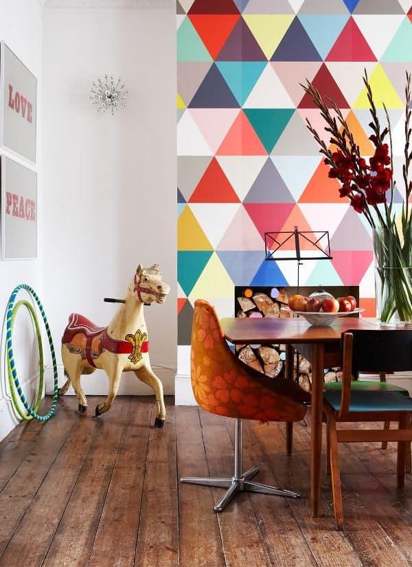 ideas-para-decorar-con-papeles-pintados-muy-coloridos-02
